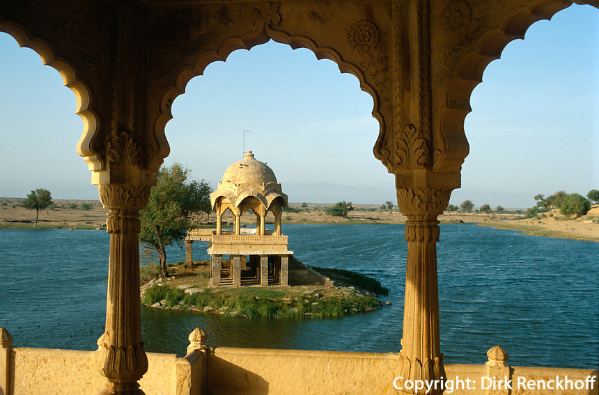 Indien, Jaisalmer (Rajasthan),  am Gadi Sagar (See)