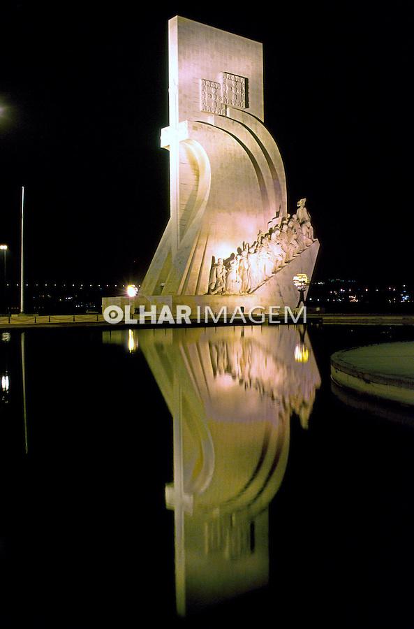 Monumento do Descobrimento, Rio Tejo, Lisboa. Portugal. 1998. Foto de Renata Mello.