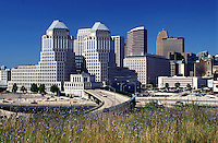 Cincinnati, OH, expressway, downtown skyline, Ohio, Expressway ramp leads to downtown Cincinnati.
