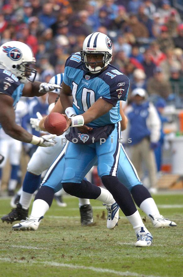 VINCE YOUNG, of the Tennessee Titans, in action against the Indianapolis Colts on December 3, 2006 in Nashville, TN...Titans win 20-17..Chris Bernacchi / SportPics