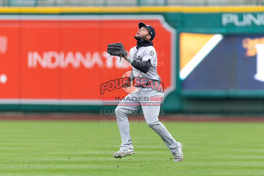 Kane County Cougars right fielder Eduardo Diaz (1) prepares to catch a fly ball during a Midwest League game against the Fort Wayne TinCaps at Parkview Field on April 30, 2019 in Fort Wayne, Indiana. Kane County defeated Fort Wayne 7-4. (Zachary Lucy/Four Seam Images)