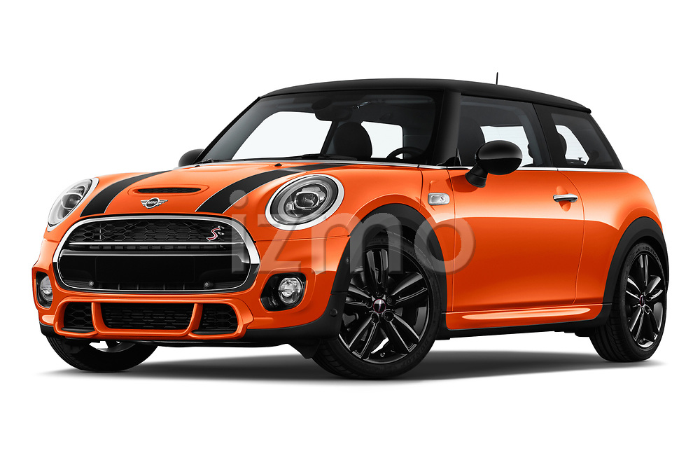 Stock pictures of low aggressive front three quarter view of 2018 MINI Cooper JCW Door Hatchback Low Aggressive