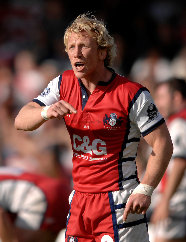 Photo: Richard Lane..Gloucester Rugby v Bristol Rugby. EDF Anglo-Welsh Cup. 07/10/2006. .Gloucester's Peter Richards calls out the orders.