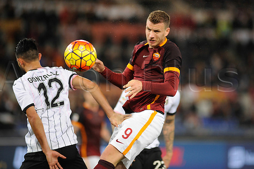21.02.2016. Stadium Olimpico, Rome, Italy.  Serie A football league. AS Roma versus Palermo. DZEKO EDIN wins the header from Giancarlo González
