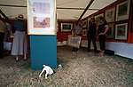 Hunting prints  stand.<br />