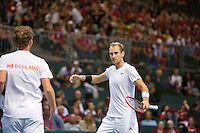 Switserland, Genève, September 19, 2015, Tennis,   Davis Cup, Switserland-Netherlands, Doubles: Dutch team Matwe Middelkoop/Thiemo de Bakker (R)  photo 4<br /> Photo: Tennisimages/Henk Koster
