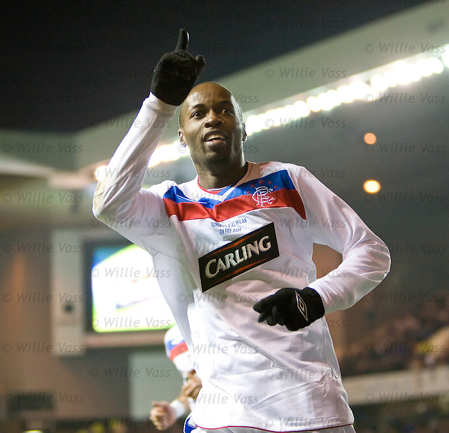 DaMarcus Beasley celebrates his goal for Rangers