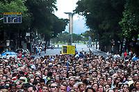 RIO DE JANEIRO,RJ,17.09.2013: PROFESSORES DO MUNICIPIO FECHAM A AVENIDA RIO BRANCO NO CENTRO DO RIO- Milhares de professores da rede municipal de ensino do Rio fecharam a Avenida Rio Branco no Centro. Os profissionais se concentraram na Cinelândia para uma assembléia que decidirá a permanência da paralisação. SANDROVOX/BRAZILPHOTOPRESS