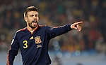 25.06.2010, Loftus Versfeld Stadium, Tshwane Pretoria, RSA, FIFA WM 2010, Chile (CHI) vs Spain (ESP)., im  Bild Gerard Pique of Spain points and shouts instructions.  Foto: nph /    Marc Atkins