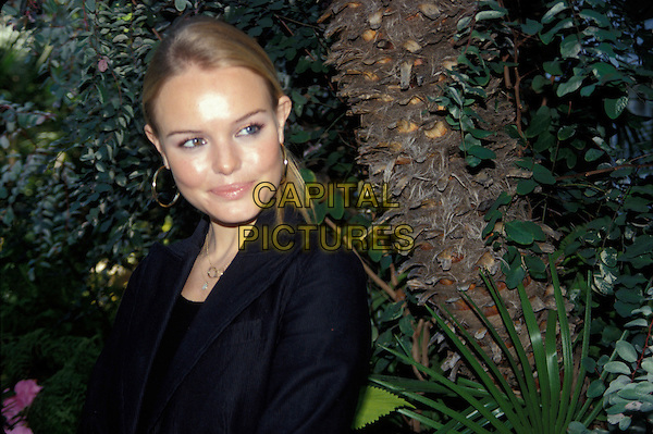 KATE BOSWORTH.February 2005.headshot portrait  gold hoop earrings.www.capitalpictures.com.sales@capitalpictures.com.© Capital Pictures.