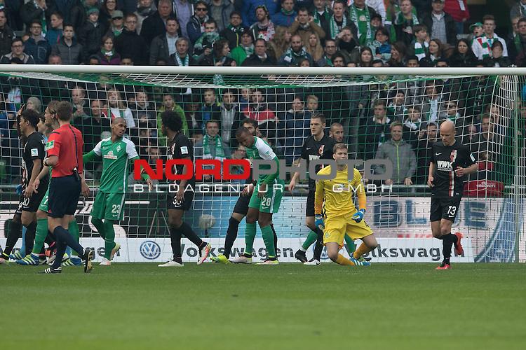 09.04.2016, Weser Stadion, Bremen, GER, 1.FBL. Werder Bremen vs FC Augsburg, im Bild<br /> <br /> <br /> entt&auml;uscht / enttaeuscht / traurig /<br /> <br /> Felix Wiedwald (Bremen #42)  am Boden nach der letzte chance <br /> Melvyn Lorenzen (Bremen #28)<br /> Tobias Werner (FC Augsburg #13)<br /> Francisco da Silva Caiuby (FC Augsburg #30)Theodor Gebre Selassie (Bremen #23)<br /> <br /> Foto &copy; nordphoto / Kokenge