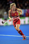 ENG - London, England, August 28: During the women semi-final match between England (red) and Spain (yellow) on August 28, 2015 at Lee Valley Hockey and Tennis Centre, Queen Elizabeth Olympic Park in London, England. Final score 2-1 (1-0). (Photo by Dirk Markgraf / www.265-images.com) *** Local caption *** Georgie TWIGG #7 of England