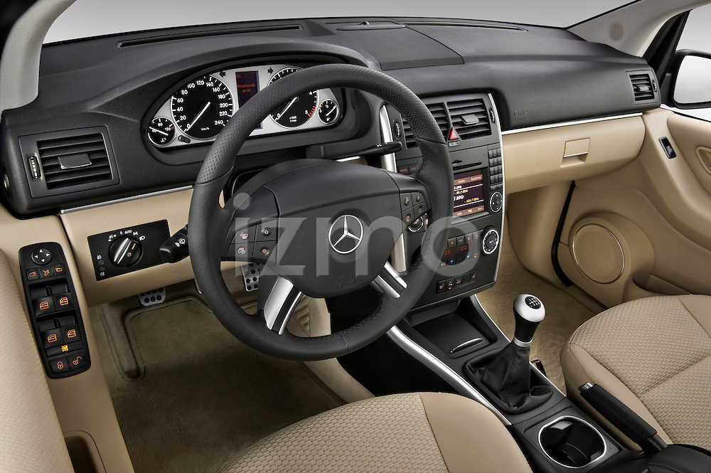High angle dashboard view of a 2009 Mercedes B Class Sport Mini MPV