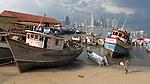Barcas en muelle fiscal / Ciudad de Panamá.