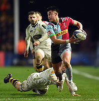 Marcus Smith of Harlequins goes on the attack. European Rugby Champions Cup match, between Harlequins and Wasps on January 13, 2018 at the Twickenham Stoop in London, England. Photo by: Patrick Khachfe / JMP