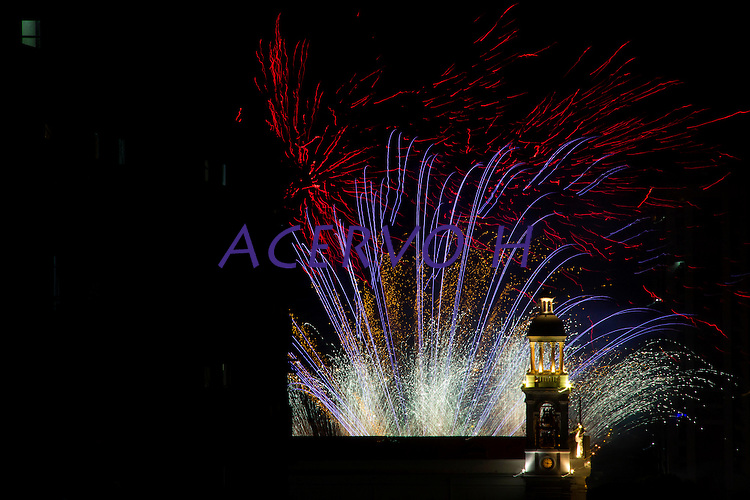 Ao final dos festejos do círio de nossa senhora de Nazaré, acontece queima de fogos em frente a Basílica. Depois de quinze dias de festas as luzes da basílica se apagam.<br /> Belém, Pará, Brasil.<br /> Foto Armando Teixeira<br /> 10/2016