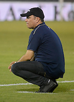 BARRANQUILLA- COLOMBIA - 12-09-2015: Jaime de la Pava técnico de Cortulua gesticula durante el encuentro con Uniautonoma por la fecha 12 de la Liga Aguila II 2015 jugado en el estadio Metropolitano / Jaime de la Pava coach of Cortulua gestures during a matcha with Uniautonoma for the twelfth date of the Liga Aguila II 2015 played at Metropolitano  stadium in Barranquilla  city. Photo: VizzorImage / Alfonso Cervantes / Contribuidor
