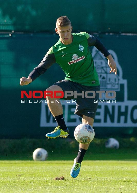 30.09.2013, Trainingsgelaende, Bremen, GER, 1.FBL, Training Werder Bremen, im Bild Martin Kobylanski (Bremen #33)<br /> <br /> Foto &copy; nph / Frisch