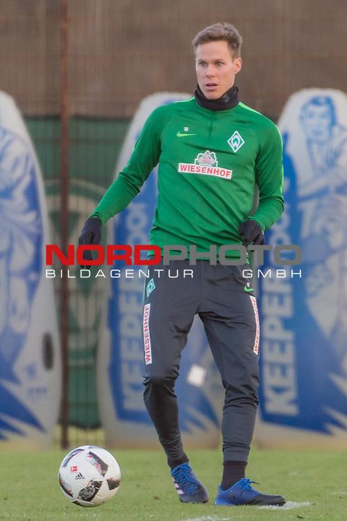 21.02.2017, Trainingsgelaende, Bremen, GER, 1.FBL, Training Werder Bremen<br /> <br /> im Bild<br /> Niklas Moisander (Bremen #18) am Ball, <br /> <br /> Foto &copy; nordphoto / Ewert