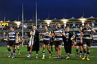 Bath Rugby players acknowledge the crowd after the match. Aviva Premiership match, between Bath Rugby and Worcester Warriors on December 27, 2015 at the Recreation Ground in Bath, England. Photo by: Patrick Khachfe / Onside Images