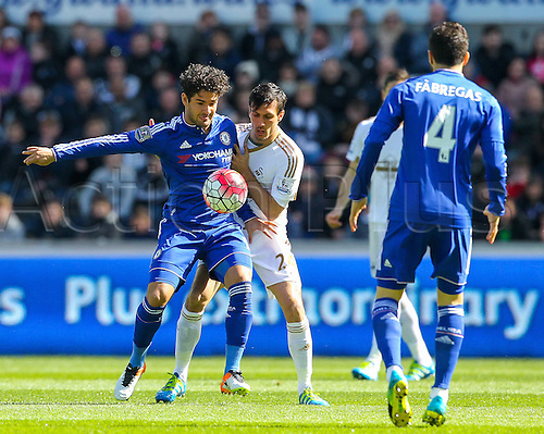 09.04.2016. Liberty Stadium, Swansea, Wales. Barclays Premier League. Swansea versus Chelsea. Chelsea's Alexandre Pato compete's for the ball with Swansea City's Jack Cork during the match