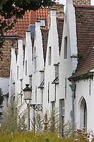 Belgique, Flandre Occidentale, Bruges, centre historique classé Patrimoine Mondial de l'UNESCO, Maisons-Dieu: Godshuis de Meulenaere 1613 construite pour accueillir les pauvres // //  Belgium, Western Flanders, Bruges, historical centre listed as World Heritage by UNESCO,  Godshuis de Meulenaere Poorhouse
