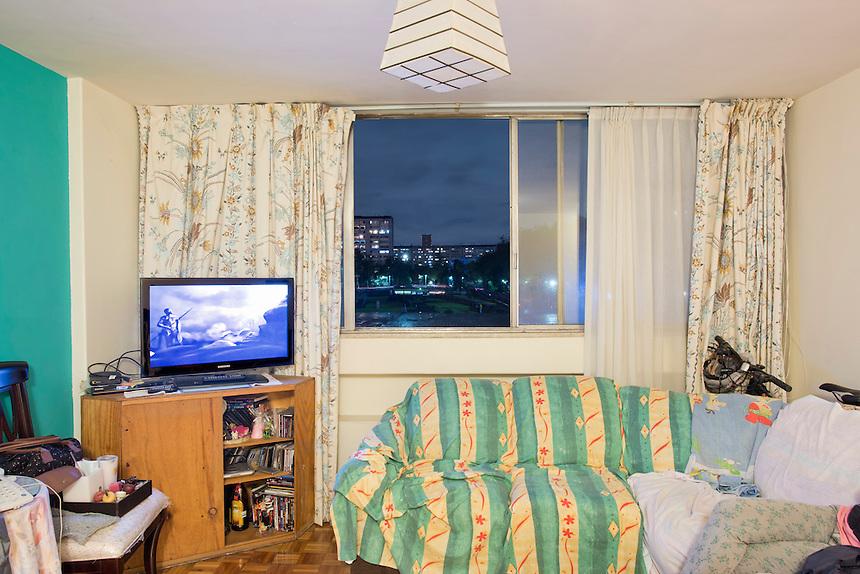 E-217 Ale y Sarisol Cueto. The interior livingroom windows of apartments in the Chihuahua building of Tlatelolco. Mario Pani´s Tlatelolco, plaza de las 3 culturas, Mexico DF