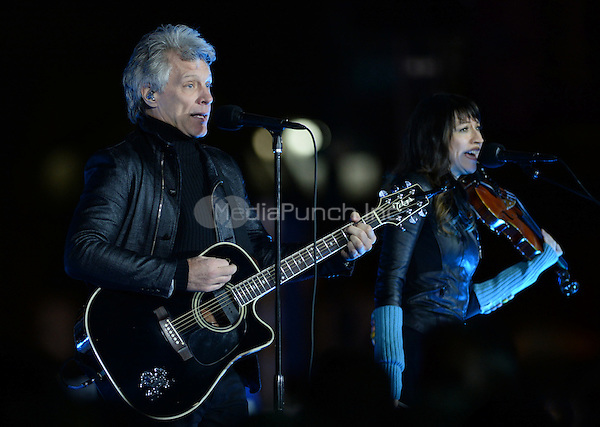 PHILADELPHIA, PA - NOVEMBER 7: Jon Bon Jovi at the GOTV Rally in support of Hillary Clinton for President at Independence Mall in Philadelphia, Pennsylvania on November 7, 2016. Credit: Dennis Van Tine/MediaPunch