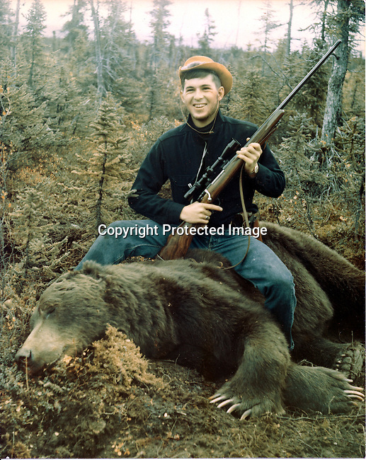 Ron Bennett and Grizly bear shot in Alaska, 9 foot 10 inch grizly,