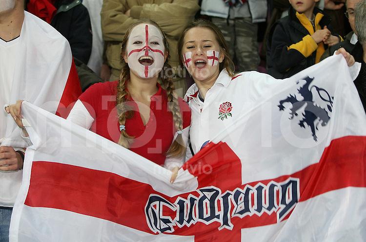 Fussball International Testspiel England 3-2 Argentinien ENG Fans, Jubel, Fahne, bemalte Gesichter