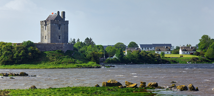 Dunguaire Castle (Dún Guaire) on Galway Bay, Kinvarra, County Galway, Republic of Ireland