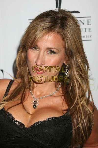 "LISA ANN WALTER .""What A Pair!"" 5th Annual Celebrity Concert to Benefit the John Wayne Cancer Institute at the Orpheum Theatre, Los Angeles, California, USA..June 3rd, 2007.headshot portrait black cleavage necklace .CAP/ADM/BP.©Byron Purvis/AdMedia/Capital Pictures"