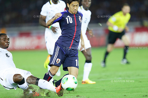 Shinji Kagawa (JPN), <br /> SEPTEMBER 10, 2013 - Football / Soccer : KIRIN Challenge Cup (international friendly) match between Japan 3-1 Ghana at Nissan Stadium in Yokohama, Kanagawa, Japan. (Photo by AFLO)