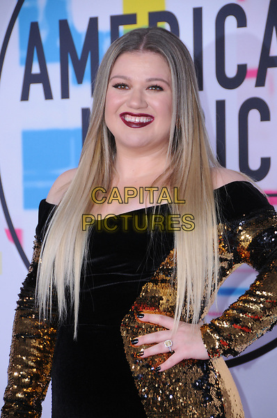 19 November  2017 - Los Angeles, California - Kelly Clarkson. 2017 American Music Awards  held at Microsoft Theater in Los Angeles. <br /> CAP/ADM/BT<br /> &copy;BT/ADM/Capital Pictures