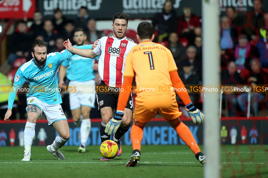 Brentford's Scott Hogan dribbles the ball into the Burton Albion penalty area during Brentford vs Burton Albion, Sky Bet EFL Championship Football at Griffin Park on 10th December 2016