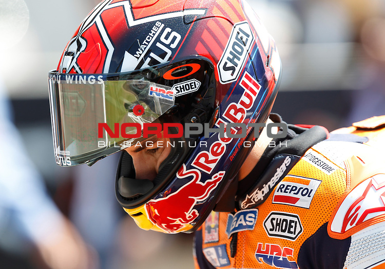 Monster Energy Grand Prix de France in Le Mans 15.-17.05.2015, Free Practice, Warm Up, Rennen<br /> <br /> 93  Marc M&aacute;rquez / Spanien vor dem Start<br /> <br /> Foto &copy; nordphoto / FSA