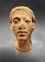 Statue Portrait head of Nefertiti. / Portratkopfe des Konigspaares Nofretete. / Egypt 18. Dynasty  (1340 BC) Berlin Neues Museum Cat No: AM 21348.