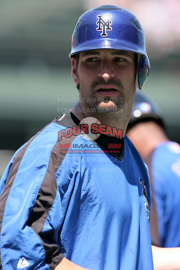 New York Mets catcher Eli Marrero during batting practice before a game against the Chicago Cubs at Wrigley Field on July 15, 2006 in Chicago, Illinois.  (Mike Janes/Four Seam Images)