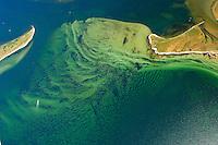 Langenwerder:EUROPA, DEUTSCHLAND, MECKLENBURG- VORPOMMERN 29.06.2005 Zwische der Insel Langenwerder und der Halbinsel Wustrow bilden sich Sandwellen auf dem Meeresboden. Die Stöhmung zwischen den Inseln geben dem Sand immer wieder andere Formen.   Blickrichtung von West  nach  Ost zur Küste. Ostsee, Meer, Wasser.Luftaufnahme, Luftbild,  Luftansicht.