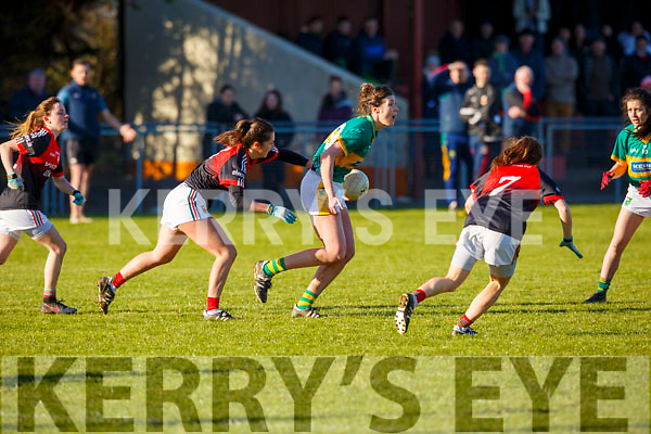 Lorraine Scanlon working a ball up to her forwards  in the Kerry v Mayo encounter in the Lidl Ladies National football league game in Brosna on Sunday last.