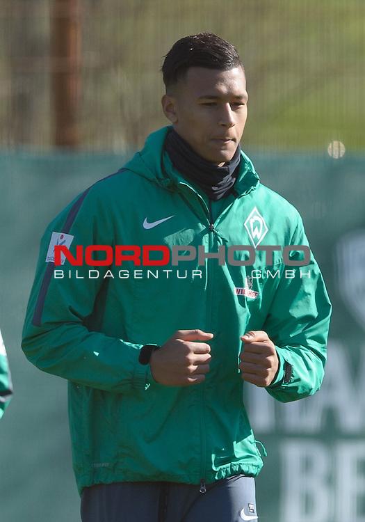 05.04.2015, Trainingsgelaende, Bremen, GER, 1.FBL, Training Werder Bremen, im Bild Davie Selke (Bremen #27)<br /> <br /> Foto &copy; nordphoto / Frisch