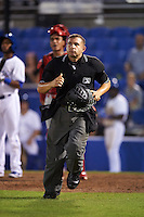 Umpire Jonathan Parra during a game between the Palm Beach Cardinals and Dunedin Blue Jays on April 15, 2016 at Florida Auto Exchange Stadium in Dunedin, Florida.  Dunedin defeated Palm Beach 8-7.  (Mike Janes/Four Seam Images)