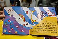 SAO PAULO, SP, 09 AGOSTO 2012 - ABERTURA BIENAL INTERNACIONAL DO LIVRO - Livros em Braile da Fundacao Dorina Nowill sao visto na  22ª  Bienal Internacional do Livro de São Paulo, no Anhembi na regiao norte da capital paulista, nesta quinta-feira, 09. (FOTO: VANESSA CARVALHO / BRAZIL PHOTO PRESS).