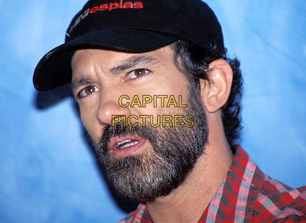 ANTONIO BANDERAS.baseball cap, beard.Ref: ND.www.capitalpictures.com.sales@capitalpictures.com.© Capital Pictures