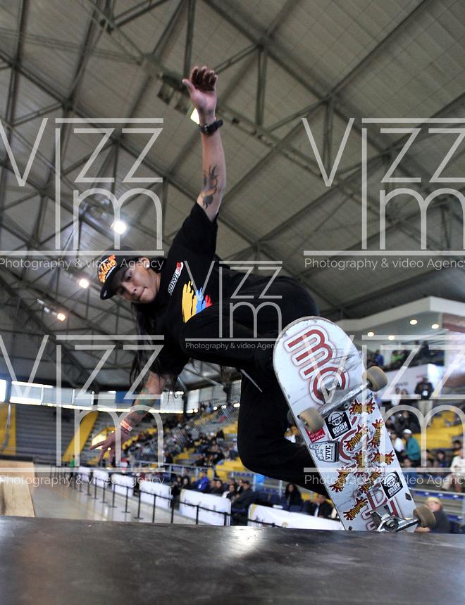 BOGOTA - COLOMBIA - 13 - 08 - 2017: Maria Camila Velasquez, Skater de Colombia, durante competencia en el Primer Campeonato Panamericano de Skateboarding, que se realiza en el Palacio de los Deportes en la Ciudad de Bogota. / Maria Camila Velasquez, Skater from Colombia, during a competitions in the First Pan American Championship of Skateboarding, that takes place in the Palace of Sports in the City of Bogota. Photo: VizzorImage / Luis Ramirez / Staff.