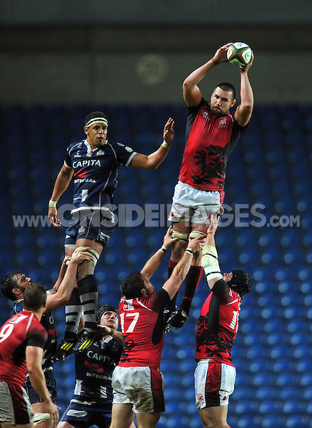 Matt Corker wins lineout ball for London Welsh. Greene King IPA Championship Final, First Leg, between London Welsh and Bristol Rugby on May 28, 2014 at the Kassam Stadium in Oxford, England. Photo by: Patrick Khachfe / JMP