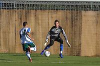 SAO PAULO, 05 DE JUNHO DE 2013 - TREINO PALMEIRAS - O goleiro Rafael Alemão durante treino do Palmeiras no CT da Barra Funda, na tarde desta quarta feira, 05, região oeste da capital. (FOTO: ALEXANDRE MOREIRA / BRAZIL PHOTO PRESS)