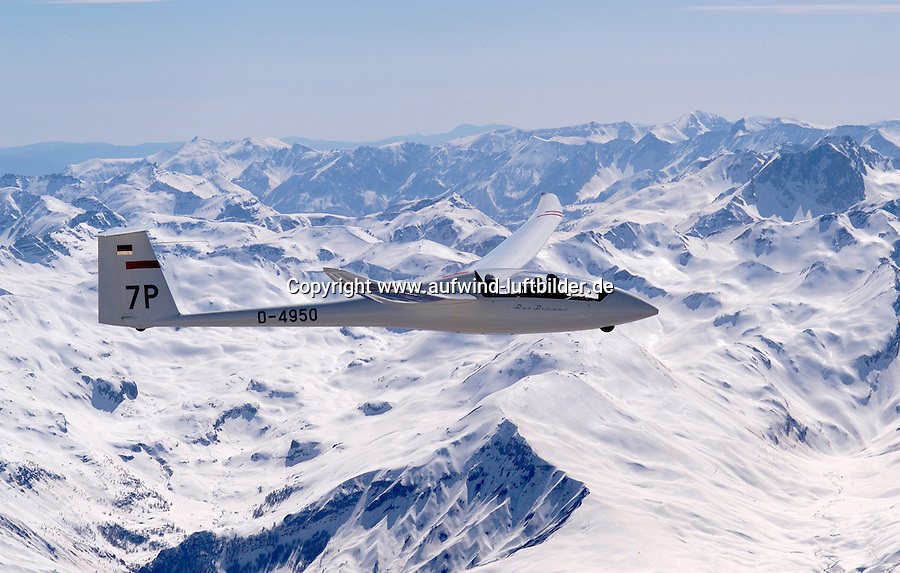Segelflug, Segelflugzeug, Duo Discus, Chamberon, Berge, Schnee, Alpen, Frankreich,  Seealpen, Valle de Ubay,7P