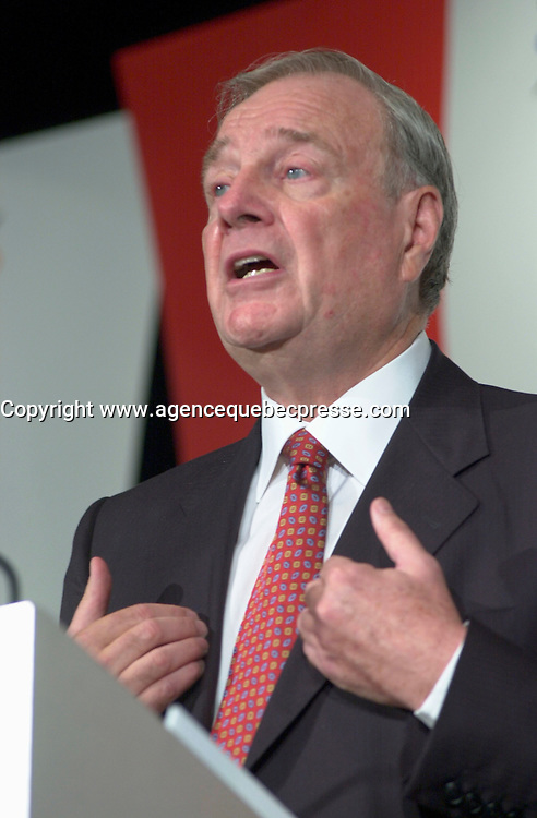Sept 18, 2003, Montreal, Quebec, Canada.<br /> <br /> Paul Martin, future  Leader of Canada Liberal Party speak in front of the Montreal Board of Trade, September 18, 2003 <br /> <br /> Actual  Party Leader and Prime Minister of Canada ; Jean Chretien and will be replaced by former Minister of  Finances Paul Martin,  in January 2004 or before.<br /> <br /> Mandatory Credit: Photo by Pierre Roussel- Images Distribution. (&copy;) Copyright 2003 by Pierre Roussel