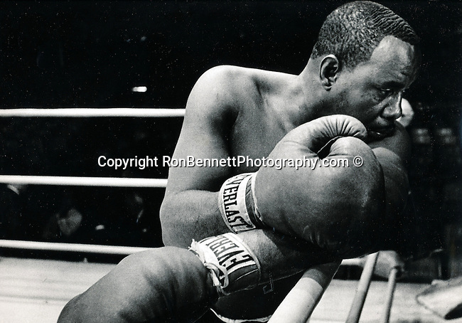 """Sonny Liston, Charles L """"Sonny"""" Liston, boxer, World Heavyweight Champion,, knocking out Floyd Patterson, Powerful pucher, jabber, greatest puchers of all time, May 8 1932 to December 30 1970, Morledge Plantation, Johnson Township, St Francis County, Arkansas, Debut September 2 1953, Knock out Don Smith, Largest fists in heavyweight history, fought Cassius Clay February 25 1964, Muhammad Ali and Sonny Liston May 25 1965,"""
